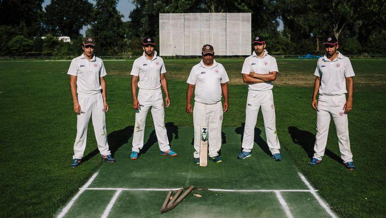 Van links naar rechts: Asad, Rehmat, Ahmad, Saqib en Sikander Zulfiqar Beeld Marc Driessen