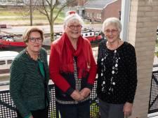 Deze drie vrouwen zagen elkaar 'toevallig' na tientallen jaren weer en werden opnieuw vriendinnen