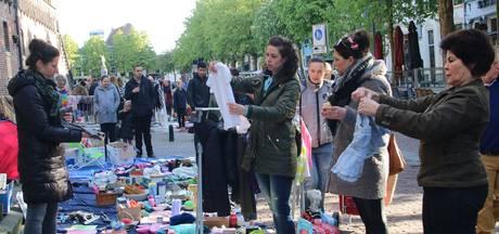 Vroeg op de koude kleedjesmarkt Deventer