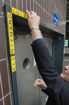Fijn (legaal) plakken op het station in Eindhoven tijdens de DDW