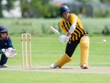 Cricketers van HCC en HBS blijven dankzij ruime zeges in race voor landstitel