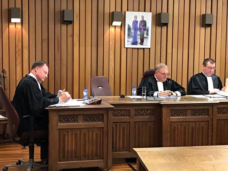 De eerdere straf van de man werd herroepen in de politierechtbank van Veurne.
