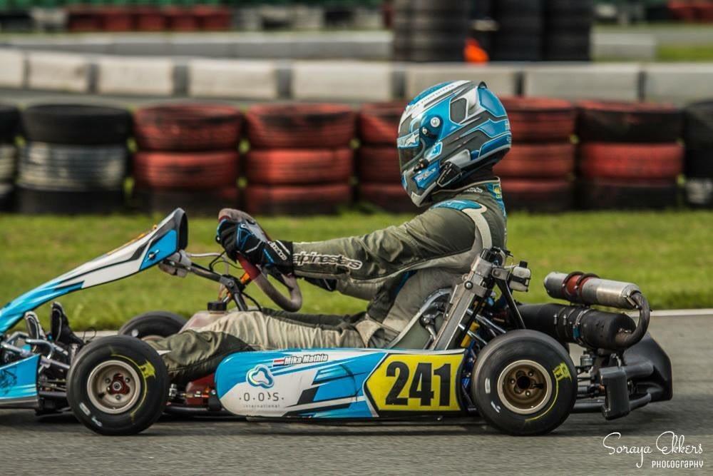 Mika Mathia in actie op het circuit in Assen.