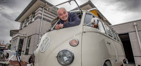 Richard toverde zijn camperwrak om tot een Happy Trouwbus: 'Hij is écht om gezien te worden'