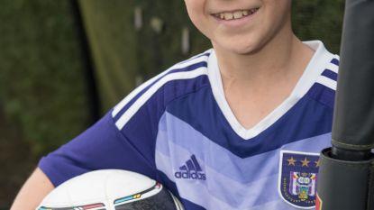 Match van KSV Oudenaarde tegen RSC Anderlecht wordt eerbetoon aan onlangs overleden Yannis (13)