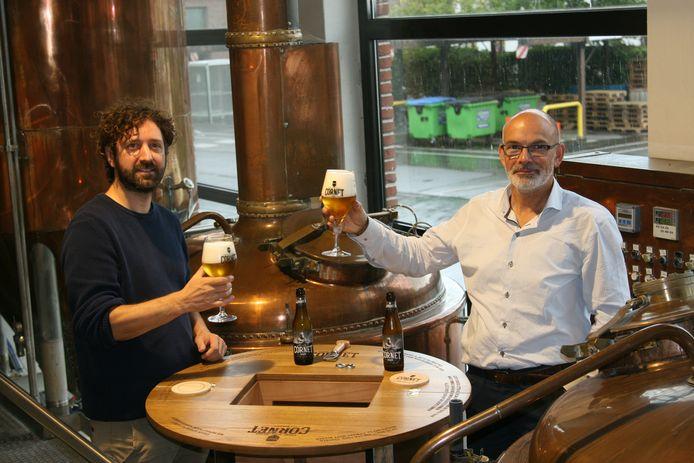Brouwerij (Palm) De Hoorn: links brouwmeester Stijn Bundervoet, rechts meesterschenker Bert Buggenhout.