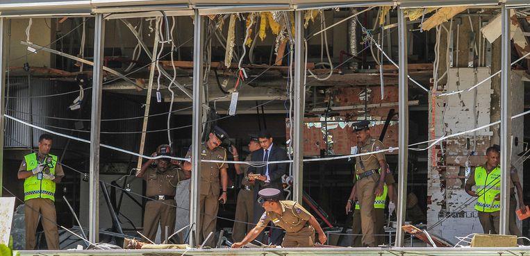 De schade aan het Shangri La-hotel, een van de getroffen hotels.