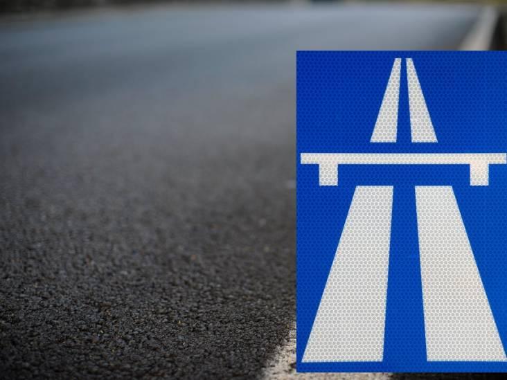 Auto met aanhanger schaart, A67 bij Geldrop weer vrij