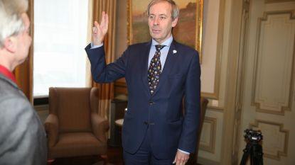 Lieven Dehandschutter (N-VA) legt eed af als burgemeester van Sint-Niklaas