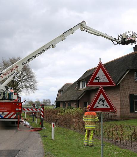 Schoorsteenbrand in woning in Vinkenbuurt