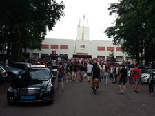Grimmige sfeer rond stadion NEC: ook bussen met NAC-fans bekogeld