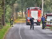 Voorbijganger ontdekt roodbruine damp in Galder, brandweer dekt maiskuil af met zand