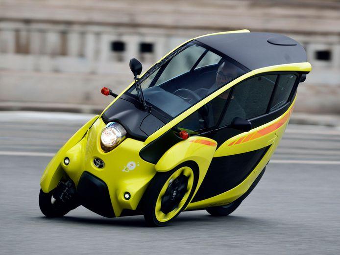 Toyota voerde ooit een publiekstest uit met deze i-Road. Dat werd geen succes.
