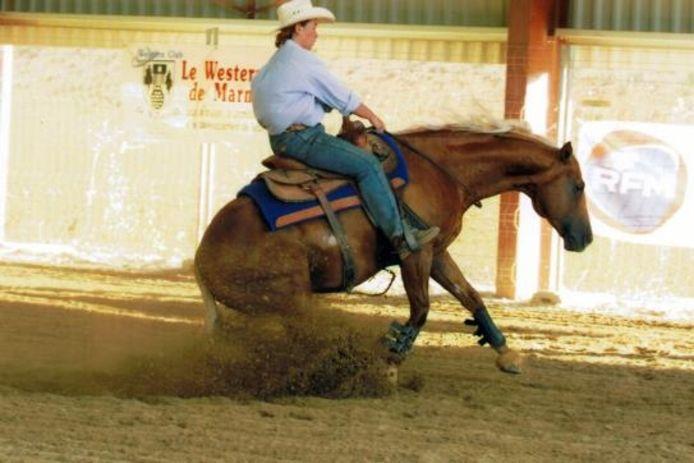 Esther de Vries deed de afgelopen jaren mee aan een lange reeks van wedstrijden en shows westernrijden. Op dit moment heeft ze geen eigen paard. De Drontense geeft lessen en demonstraties en zoekt naar een eigen stal voor westernrijden.foto Esther de Vries