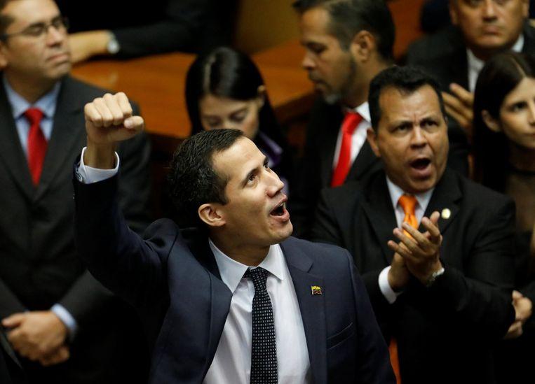 """De nieuwe parlementsvoorzitter Juan Guaido van oppositiepartij Voluntad Popular kondigde aan """"het dictatorschap"""" van president Maduro te zullen bestrijden."""