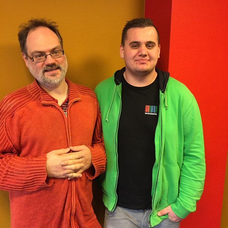 Wikipedianen André Engels (links) en Sjoerd de Bruin. Beeld