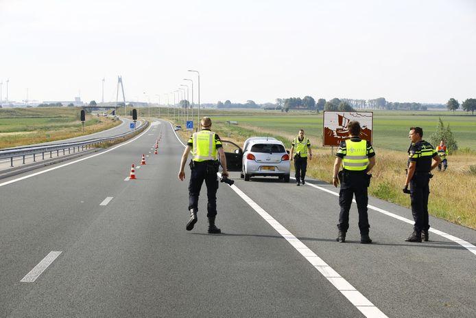 Politie doet onderzoek naar het dodelijke ongeval dat woensdagmorgen plaatsvond op de N50 tussen Kampen en Ens.