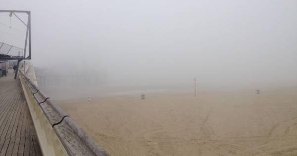 'Winter' in Scheveningen: kust geteisterd door zeevlam