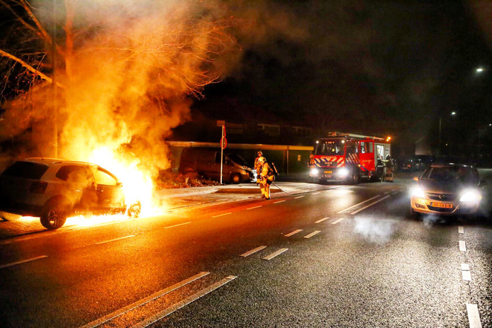 De autobrand in Velp.