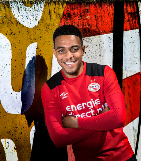 Jong PSV spaart Go Ahead Eagles met remise, Malen blinkt uit