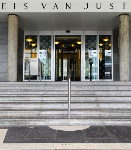 Eis tegen Arnhemmer (38): werkstraf voor 'van alles en nog wat', eerst 3 jaar zitten