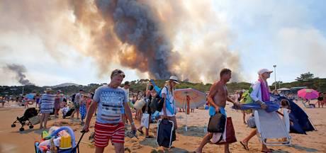 Brand Frankrijk: 'We slapen onder handdoekje op het strand'