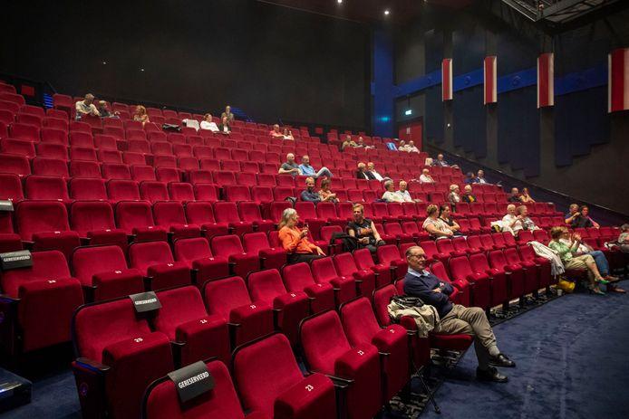 De eerste voorstelling in theater Lampegiet sinds de corona lockdown.