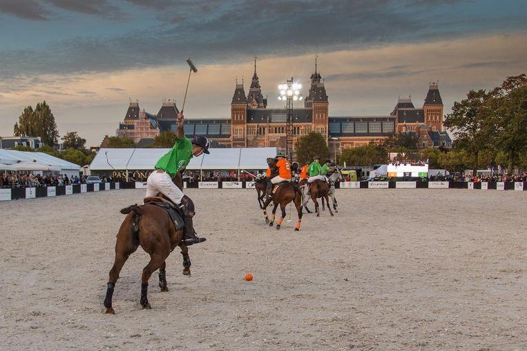 Dit weekend is er polo op het plein. Beeld Michiel Leegerstee