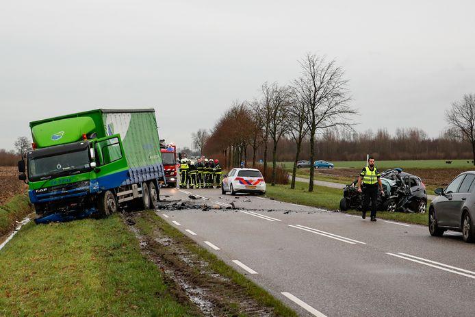 Dodelijk ongeval op de Woudrichemseweg bij Almkerk.