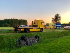 Auto belandt in sloot in Agelo: bestuurder gewond