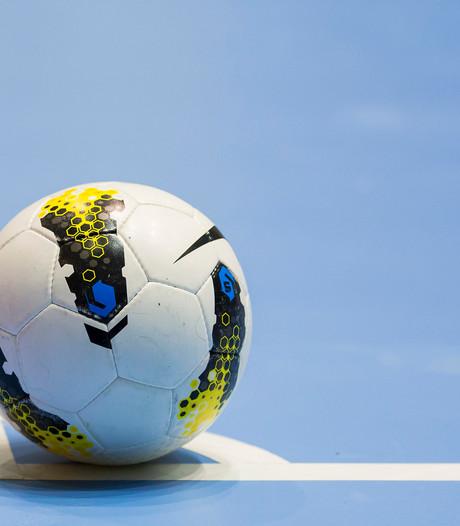 Zaalvoetballers FC Eindhoven laat op stoom