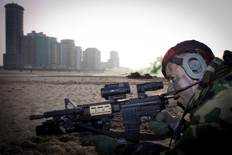Mariniers zijn gespecialiseerd in werken op de grens van land en water. Een thuisbasis aan de kust zou daarom zeer geschikt zijn. Beeld ANP