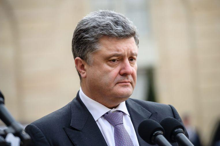 De president van Oekraïne Petro Porosjenko zegt dat de overheid een wapenstilstand probeerde te garanderen.