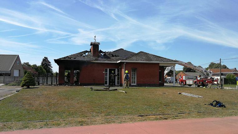 De uitgebrande woning in Hulshout
