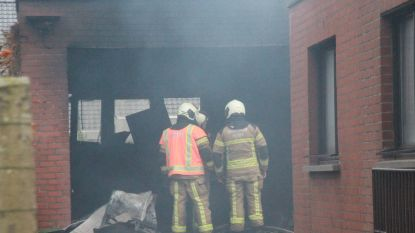 Garage uitgebrand nadat bewoner auto stofzuigde