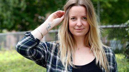 """Elke Clijsters over de symboliek van haar tattoo: """"Eerbetoon aan mijn overleden papa"""""""