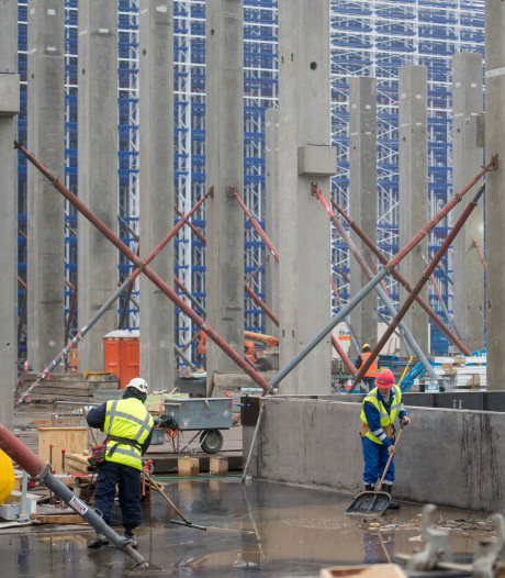 ASML steekt ruim een miljard euro in vier gebouwen in Veldhoven
