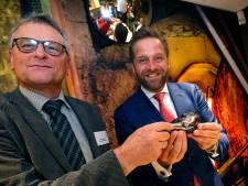 Minister Hugo de Jonge prijst Leerdamse aanpak van zorg: 'Een voorbeeldgemeente'