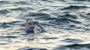 Ex-kankerpatiënte zwemt 4 (!) keer op rij het Kanaal over