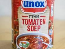 Tomatensoepen van Jumbo en Unox komen slecht uit de test: veel te veel zout
