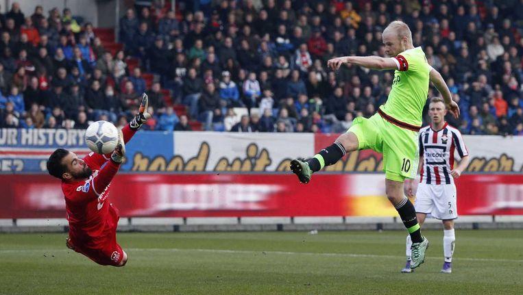 Ajax-speler Davy Klaassen scoort de 0-4. Beeld anp