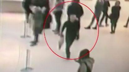 Doek uit Moskouse galerie gestolen voor ogen veiligheidspersoneel