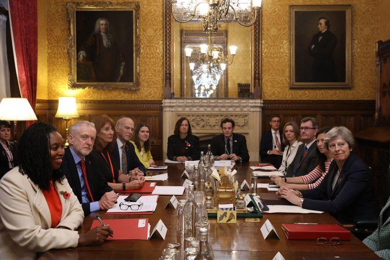 De Britse partijleiders zijn het eens over een gemeenschappelijke klachtenprocedure voor slachtoffers van seksueel geweld.