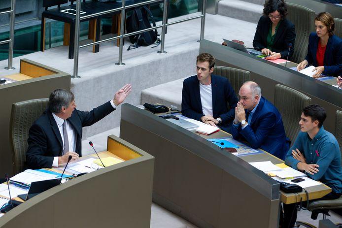 Vlaams minister-president Jan Jambon (N-VA), Jos D'Haese (PVDA), Bjorn Rzoska (Groen) en Conner Rousseau (sp.a) vorige week in het Vlaams Parlement.