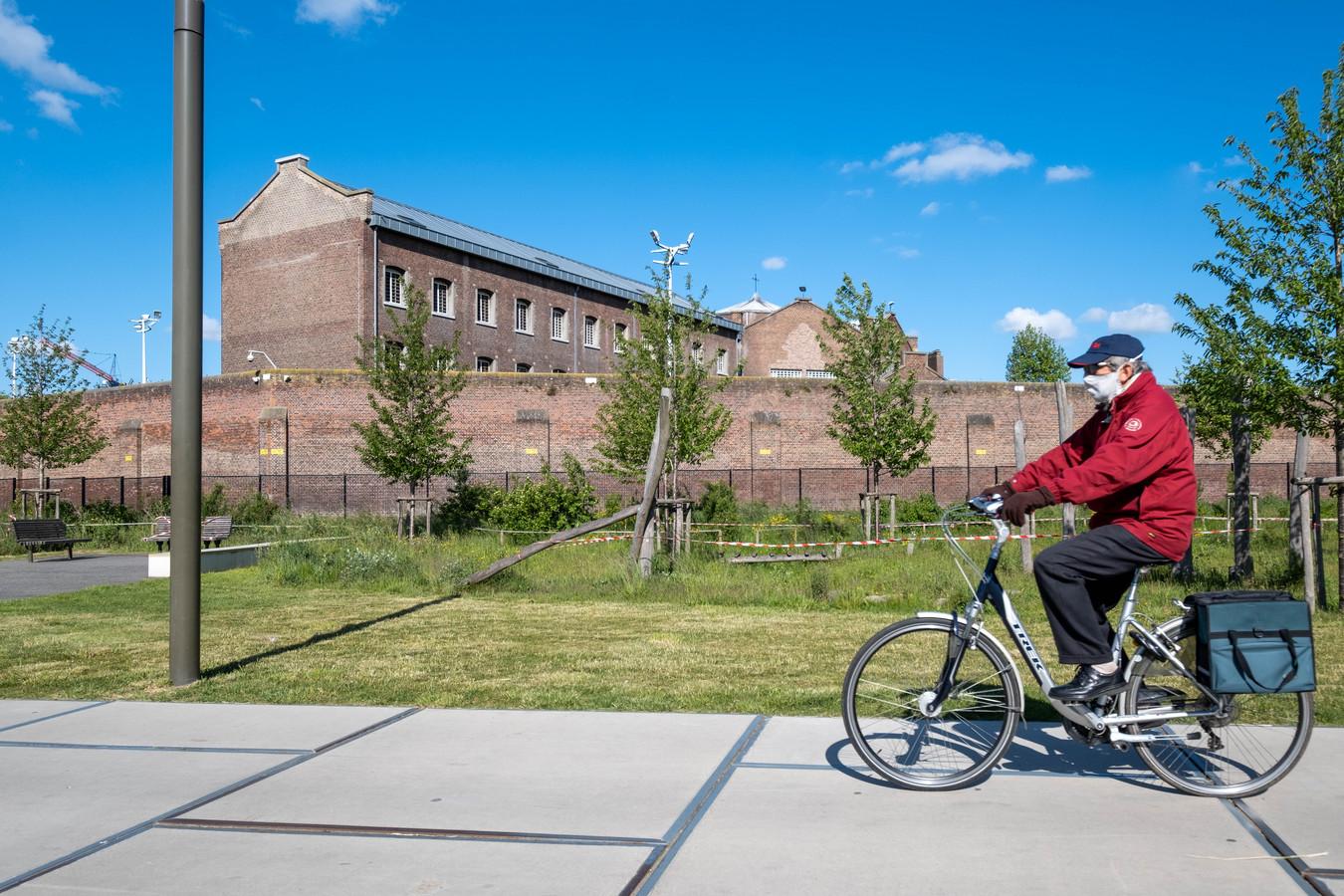 Het Caputsteenpark langs de gevangenis van Mechelen