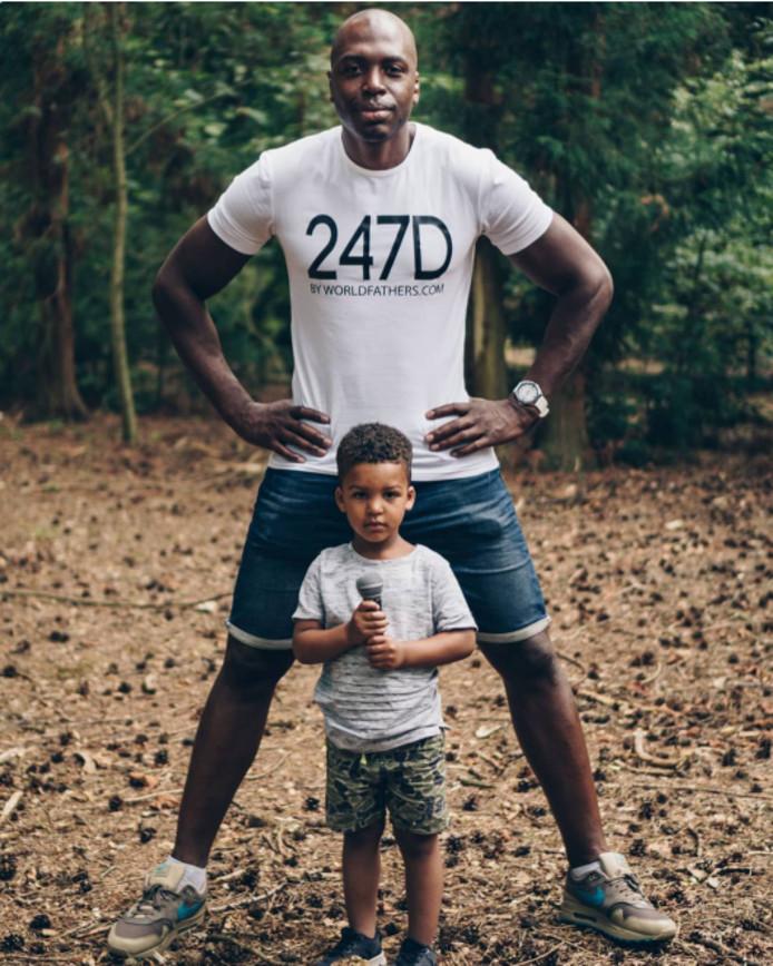 Steven Brunswijk met zijn zoontje.