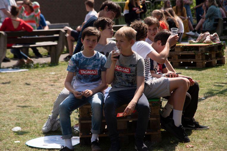 StressFactorFestival SFI Melle : de school werd festivalweide voor één dag.