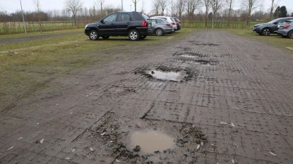 Verzakte parking krijgt asfaltlaag