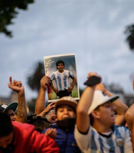 Veillée funèbre au palais présidentiel: hommage, tristesse et mouvements de foule