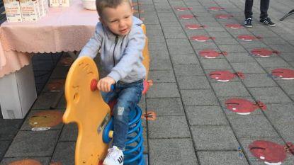 """Eerste schooldag voor Liam De Koker: """"Zijn vechtersmentaliteit bracht hem hier"""""""